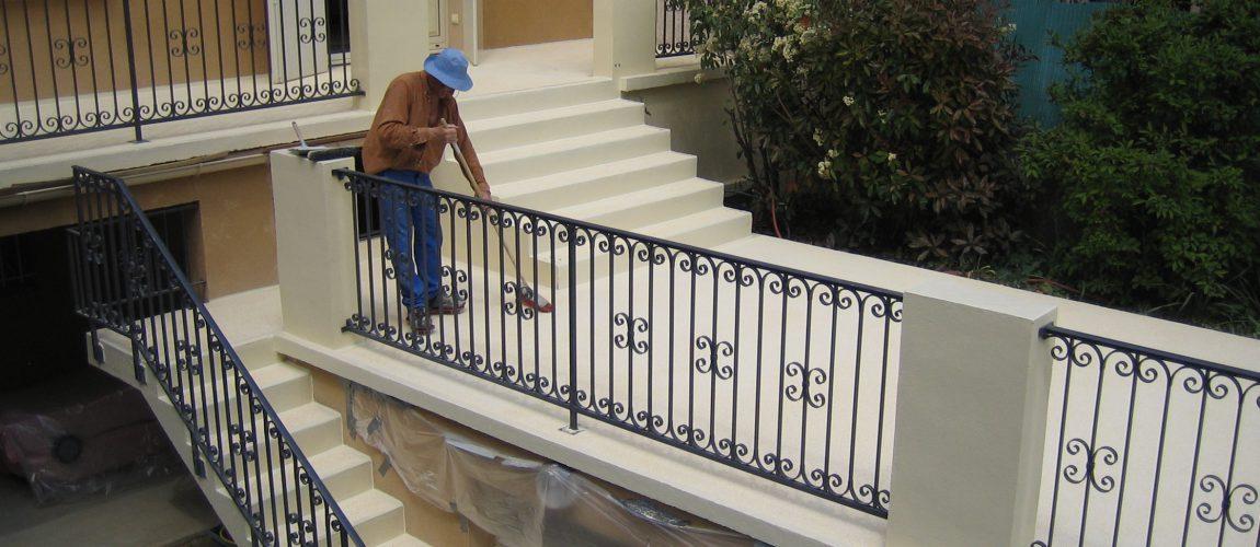 étanchéité liquide en résine sur balcon et escalier
